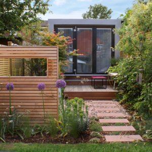 narrow garden landscaping
